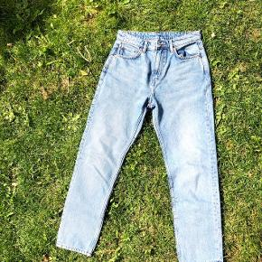 Seattle Week Blue bukser str 27 L28. De nok blevet brugt en gang. Oprindelig pris var 300-450 (normale pris for weekday busker)