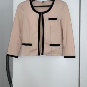 Sælger denne fine trøje, håber en kan få glæde af den, har selv haft meget glæde af den. :-) den er brugt men er i fin stand