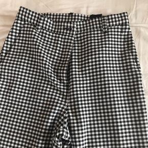 """""""Checkered pants"""" fra Monki, str. 36"""