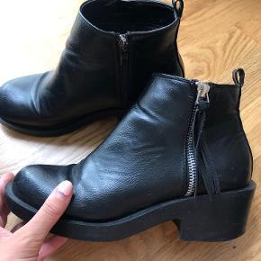 T.R.E.N.D støvler
