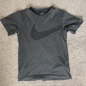 Nike Sportswear overdel