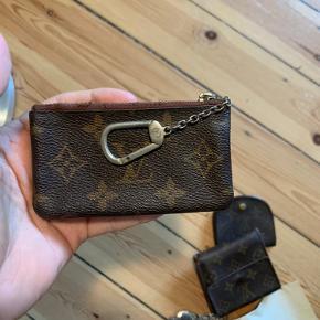 Lækker lv vintage pung, jeg har flere på min profil  Med kvittering lynlås driller