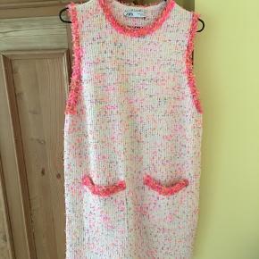Kjole fra Zara, størrelse M. God stand