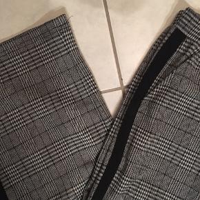 Ternede bukser fra Nifty Str 16 år/ S HELT nye stadig med prismærke - sælges da de er for store 175kr inkl fragt
