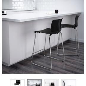 1 stol  Brugt til makeup bord/skrivebord