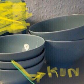 Lyseblå Keramik/porcelæn skåle 2 store og 2! Små  Skål   Samlet   Fejler intet