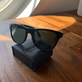 Ray-Ban folded RB4105