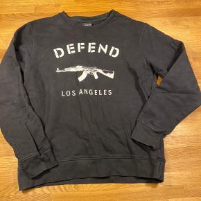 Defend sweater