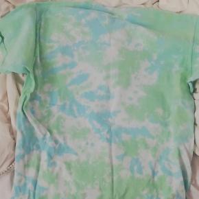 Brand: Odd future  Varetype: T-shirt Farve: Blå Oprindelig købspris: 400 kr.  Sælger denne odd future T-shirt. Aldrig brugt.