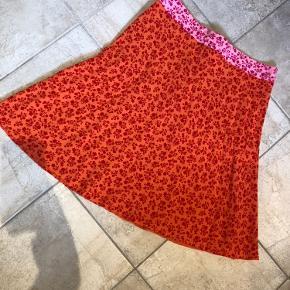 Mads Nørregaard nederdel brugt 1 gang. Fremstår som ny.  Str 44.