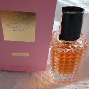 50 ml Valentino Donna prøvet 2 gange blomstret duft