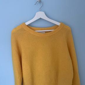 Lækreste sweater fra Samsøe Samsøe i str. xs En lille plet på, se billede 2 32% uld