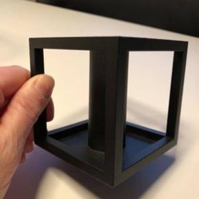 By Lassen kubus 1 i sort Aldrig brugt - fejlkøb. Står som ny