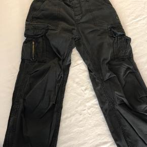 Brandit Cargo pants. Str M, svarer til 33. 100% bomuld.
