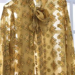 Skjortebluse med print