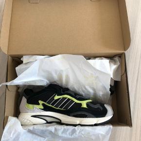Adidas Temper Run - Aldrig brugt, helt nye Størrelse 39 1/3