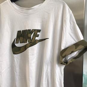 Lækker t-shirt. Ved ikke helt om den er vintage?