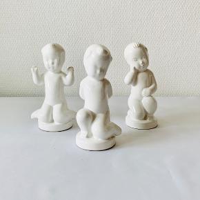3 X Peter fra Søholm. Peter Fro, Peter Flov og Peter Klog. Højde: 15 cm Peter Flov fremstår med en lille mørkere streg ved håret - det er ikke en skade - se billede.