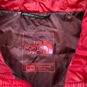 Lækker letvægts dunjakke fra The North Face str M. Brugt men fejler intet