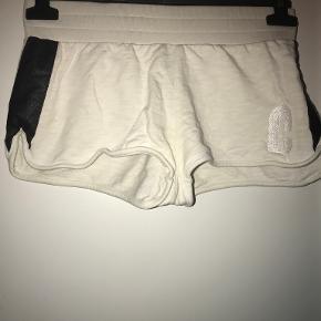 Cost:bart shorts