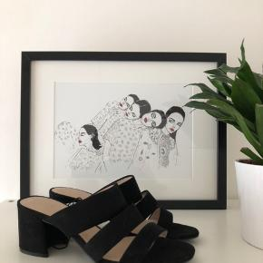 Black open heels, perfect for summer  Never used, new price 199 dkk