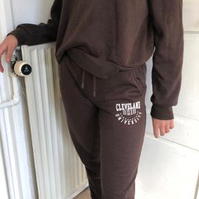 Sweatshirt i S Jogging bukser i 2XS men passer en xs-small