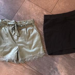 5 nederdele og et par shorts sælges samlet eller hver for sig. Hver for sig koster de 35kr hver BYD gerne.
