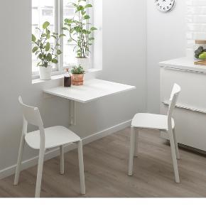 Klapbord. Måler 74x60 cm. Hængt i et køkken i ca 6 mdr. derfor i god stand.