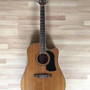 Washburn Western akustisk guitar  Fungerer som den skal men enkelte brugsspor :)