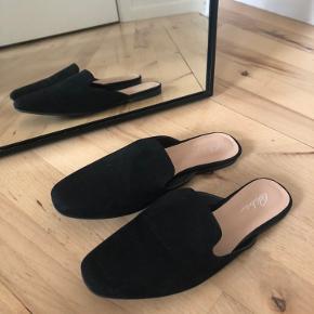 Flade sko købt fra ASOS, aldrig brugt da de er lidt små i størrelsen