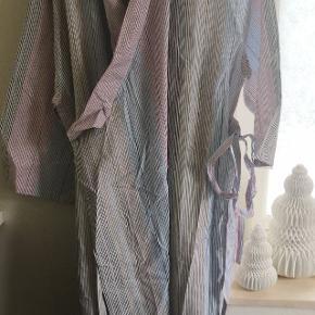 Two Danes kimono