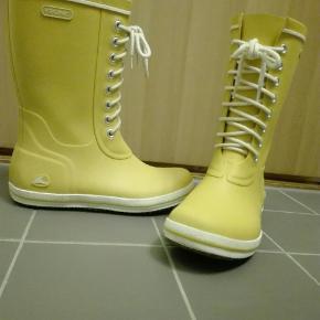 Retro gummistøvler, kun brugt få gange. Køber betaler porto