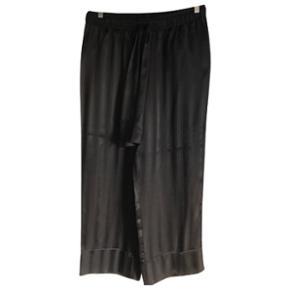 GANNI Sorte Kendal silkebukser, helt nye stadig med prismærke. Str. 42 Byd modtages