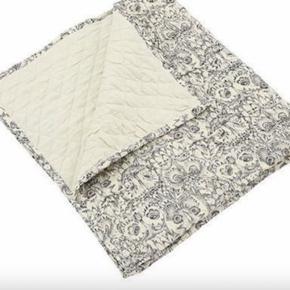Soft Gallery tæppe   Cream / grå  Mp 250kr pp Ved Ts handel dækker køber alle gebyr ellers mobil pay eller afhentning