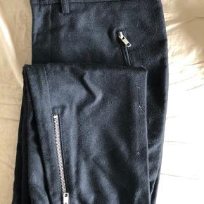 Ikke brugt særlig meget, uld bukser fra Mads Nørgaard, ingen fejl eller lignende