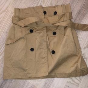 Sød nederdel, brugt en enkelt gang til udklædning ☀️