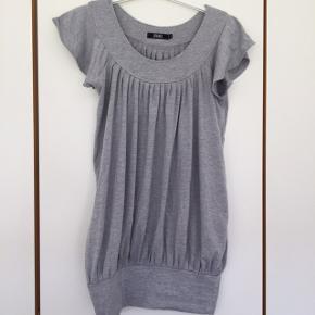 Sparkz bluse str s (passer en m) Pris 35 kr