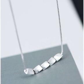Materiale:925 sølv  Str.: længde 41 cm;udvidet kædelængde 3 cm  leveringstiden: 3-5 dage