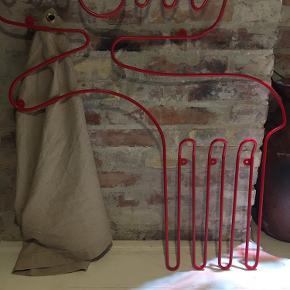 Flot rød elg knagerække fra Ikea rødlakeret metal mål ca 80x80cm 75kr Kan hentes kbh v