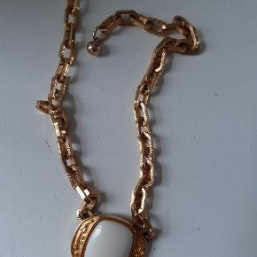 Vintage YSL halskæde købt på auktion.