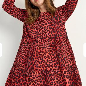 Envii rød leo kjole