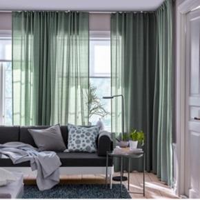 8 stk. HILJA gardiner fra IKEA i en grønlig farve. Kun brugt i 3 måneder. Kommer fra et røgfrit hjem. Sælges samlet for 400 ellers 50 kr. stk. ☺️