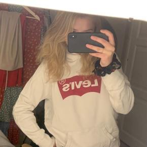 Levi's sweater