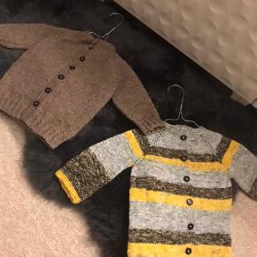 Handmade strikkede søde cardigans.  Byd.   150 kr inkl. Fragt stykket.   Garn:  Akryl og uldblanding.
