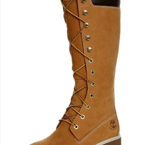 Fedeste Timberland støvler! Desværre ikke fået dem brugt så meget som håbet.  (Købt af sælger, der ikke havde fået dem brugt.) Tager ikke billede af tøjet på 🌺