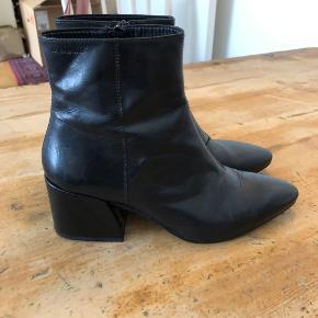 Super flotte støvler fra Vagabond med få tegn på slid. Fremgår af billederne