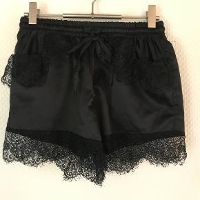 Fine shorts med 2 lommer fra Buch Copenhagen i str S