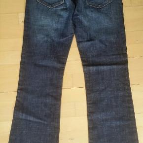 Lækre jeans fra H&M str 34/32 Livvidde: 92 cm Indvendig benlænge: 81 cm