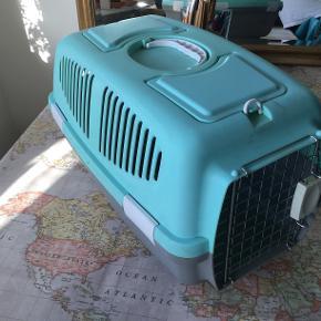 Katte transportkasse. Lidt brugt men rigtig god stand.