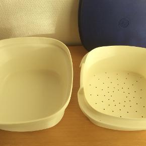 Servofix, som består af skål, låg og sigte. God til at holde naden varm og til at lave risengrød i.